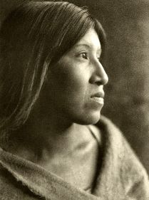 446px-Edward_S._Curtis_Collection_People_056